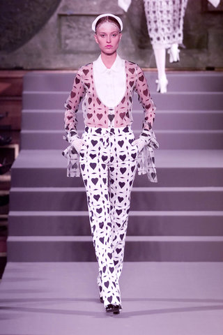 viktor and rolf 2002 heart suit