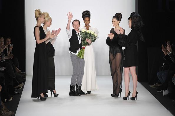 Stephan+Pelger+Stephan+Pelger+Show+Mercedes+GgDs5_UHKmAl