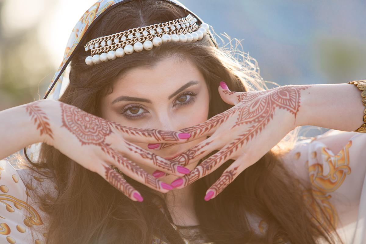 Stilul meu: orient, fire de nisip, tatuaj cu henna