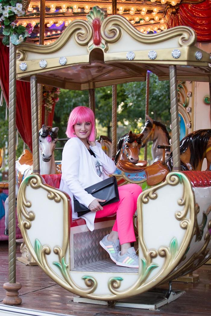 mariana romanica barbie carusel