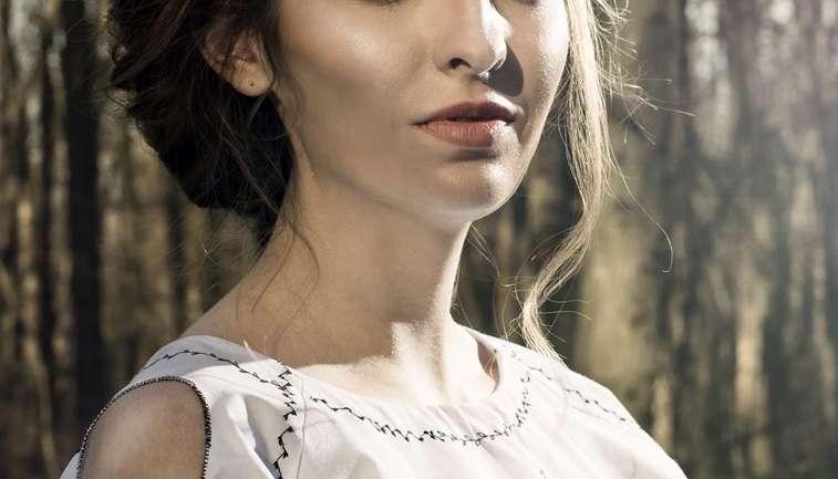 Bluza ie si Atelier Muna, un brand romanesc de poveste