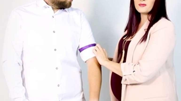 VIDEO: Cum ridici mânecile de la cămaşă cu stil