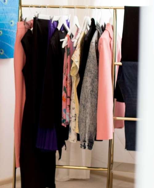 Garderoba Capsulă: 13 piese, 70 de ţinute – Workshop 8 Iunie