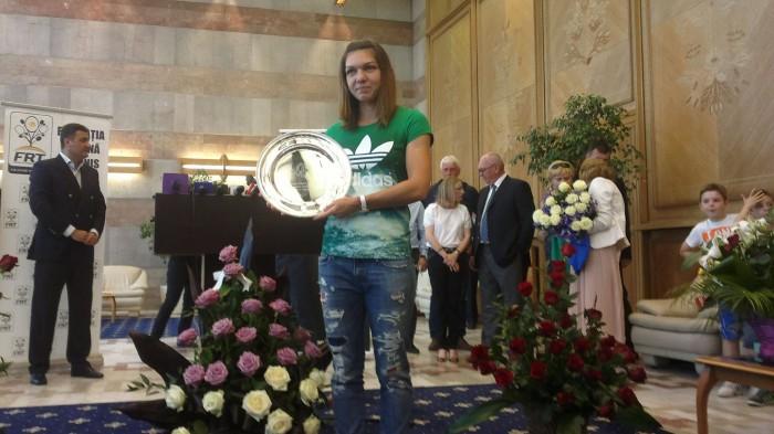 Simona-Halep-aeroport-revenire-Roland-Garros