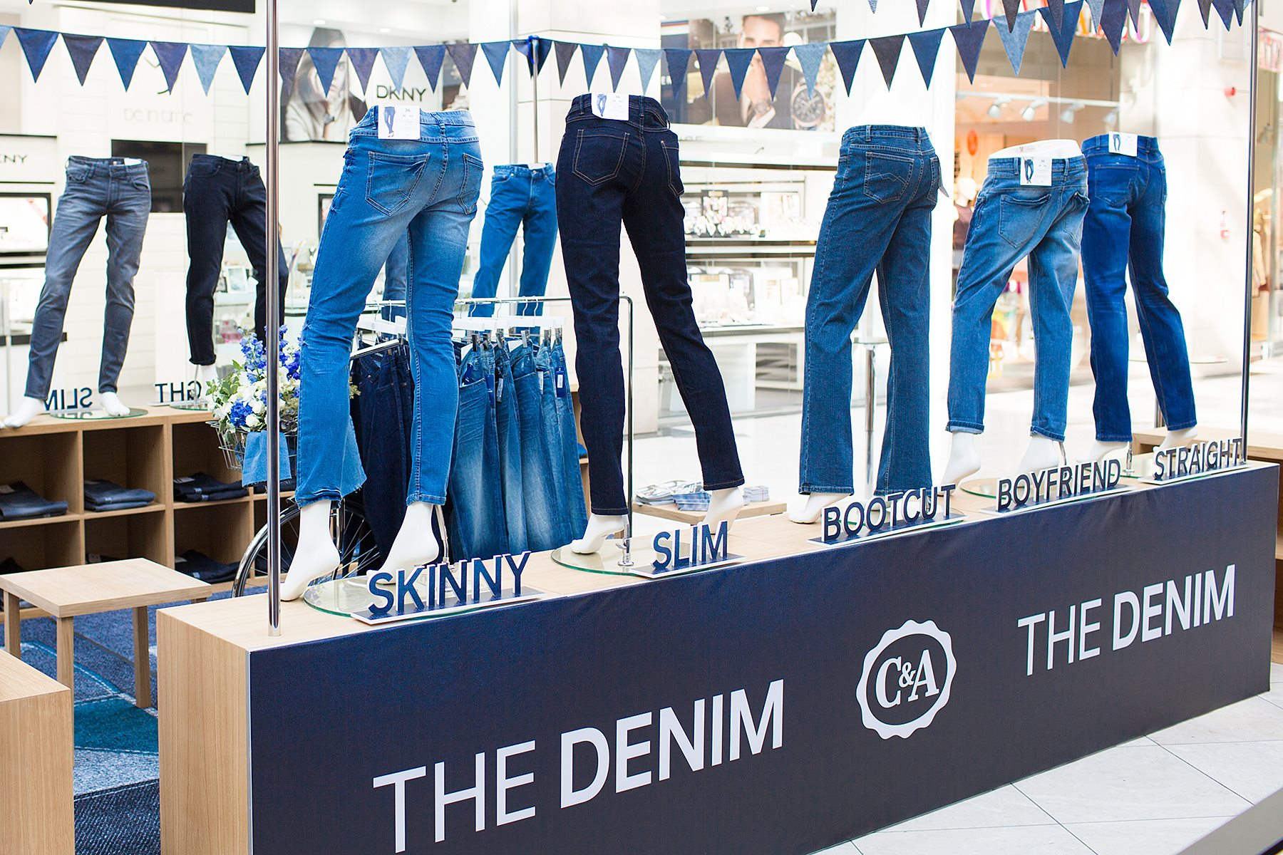 C&A THE DENIM  stand