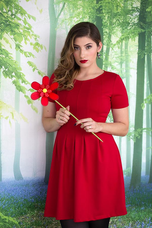 mariana romanica rochie rosie