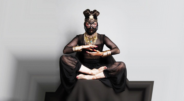 Mariana Romanica fashion stylist