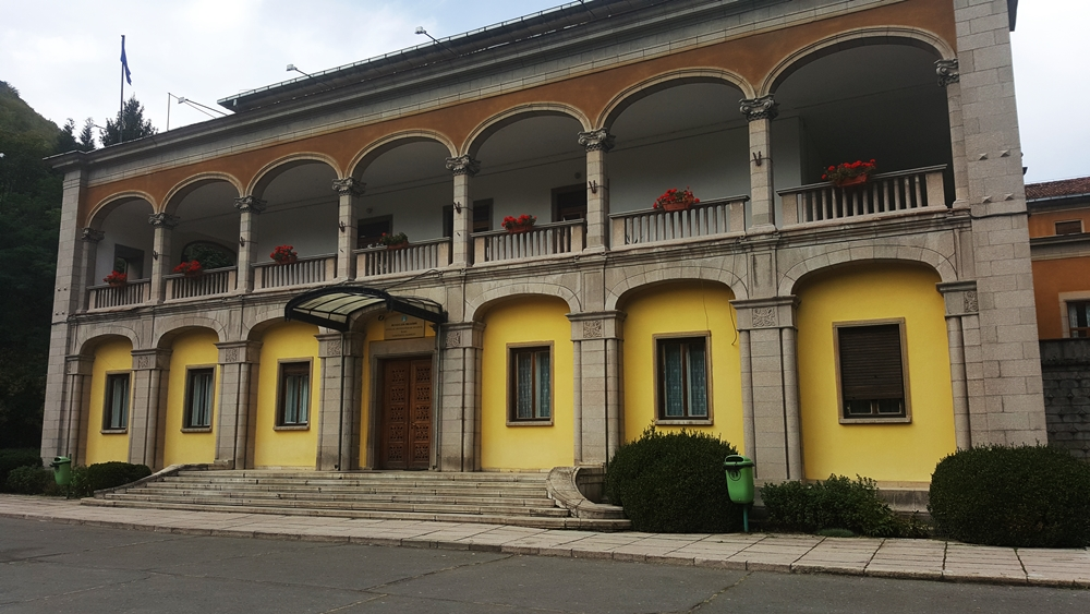 casa 1 mai sanatoriu Olanesti Baile Olanesti