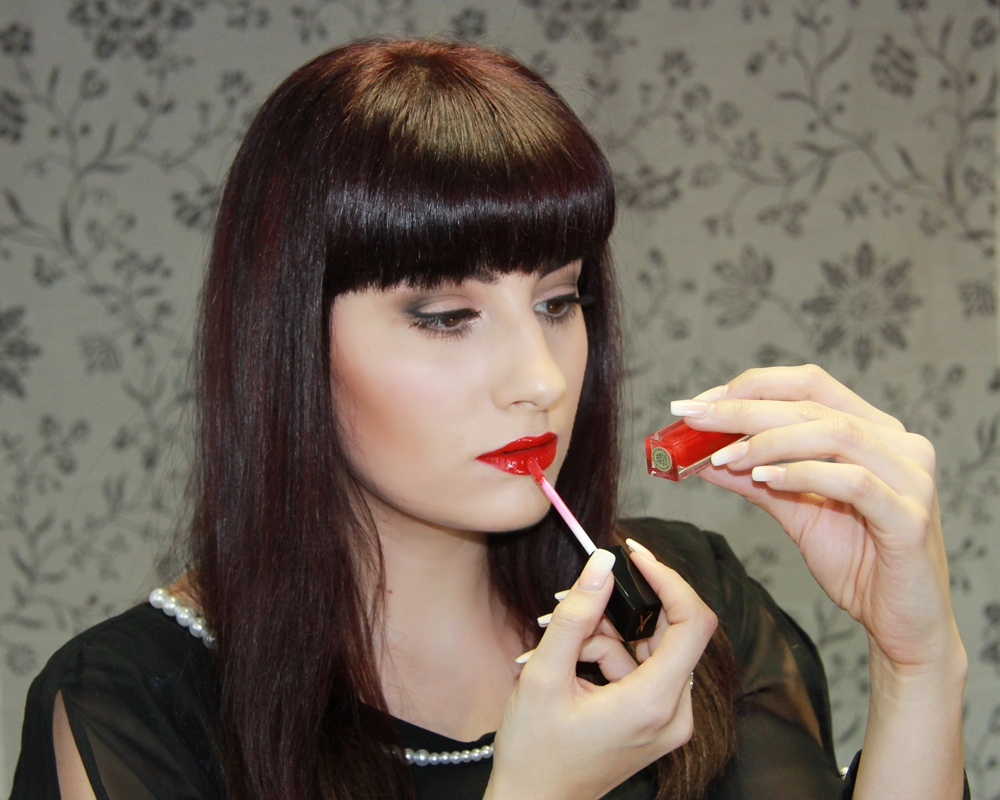 artistry light up lip gloss