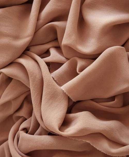 Materialele în vestimentaţie, viaţă şi modă